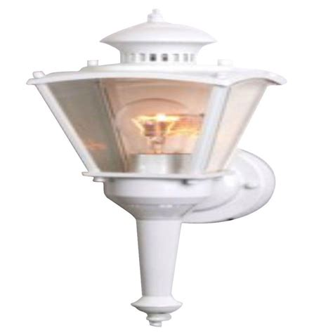 Outdoor Motion Sensor Coach Lights Cci 16 In White Motion Activated Outdoor Beveled Glass Coach Lantern L2552wh The Home Depot