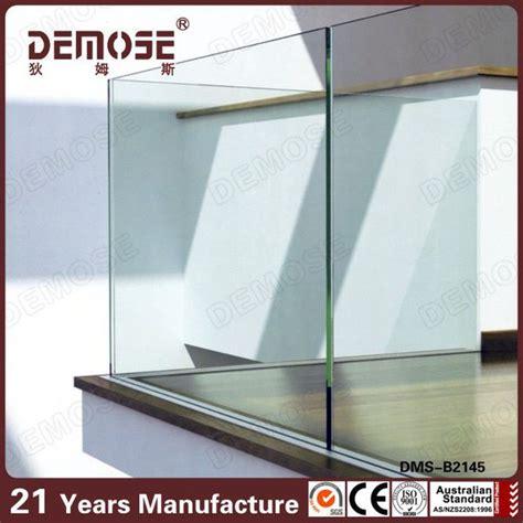 barandillas de pvc curvas elegantes barandillas de vidrio para porches porche