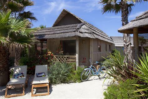 tiki hutte reservation garden tiki hutte standard tiki hutte h 233 bergements