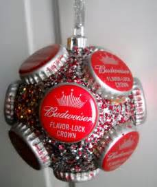 Use bottle cap crafts to create christmas tree ornaments glitter can