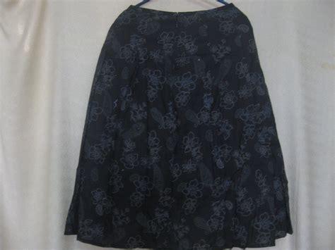 Rok Motif Bunga Biru Hitam rbl007 rok panjang hitam motif bunga bunga rugztic baju bekas