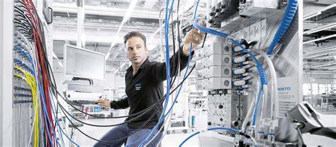 Bewerbung Ferienjob Fabrik Technologiefabrik Scharnhausen Festo Unternehmen