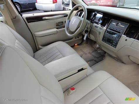 Town Interior by Car Picker Lincoln Town Car Interior Images