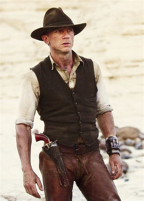 cowboys aliens the real bond that is real cowboys cowboys aliens daniel