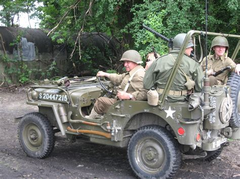 mash jeep file willys mb during the vii aircraft picnic in krak 243 w 1