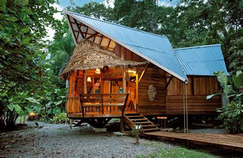 live edge siding colorado tree house rental in costa rica