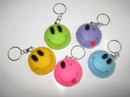 cara membuat gantungan kunci berbentuk emoticon tyas dwi utamiasih cara membuat gantungan kunci smile