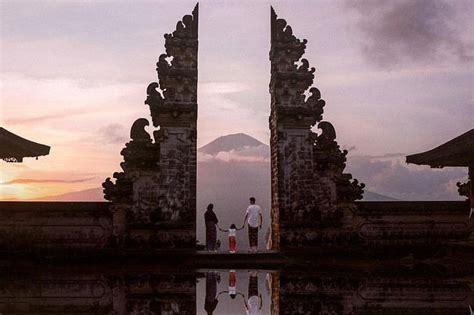 bali gate  heaven swing waterfall ubud indonesia