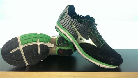 mizuno running shoe review the running shoe review mizuno wave rider 18