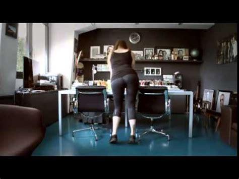 amanti in ufficio alessandra patitucci nell ufficio di linus