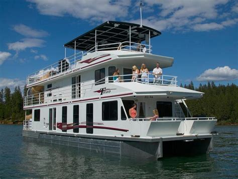 65 Foot Titan Houseboat