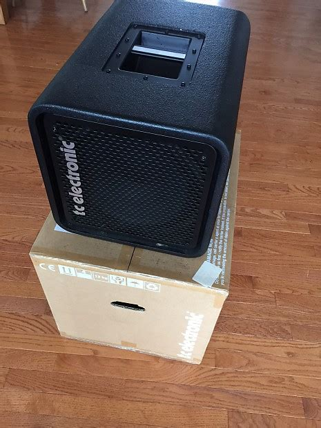 tc electronic rs210 bass cabinet tc electronic rh750 rs210 rs112 bass rig head and reverb