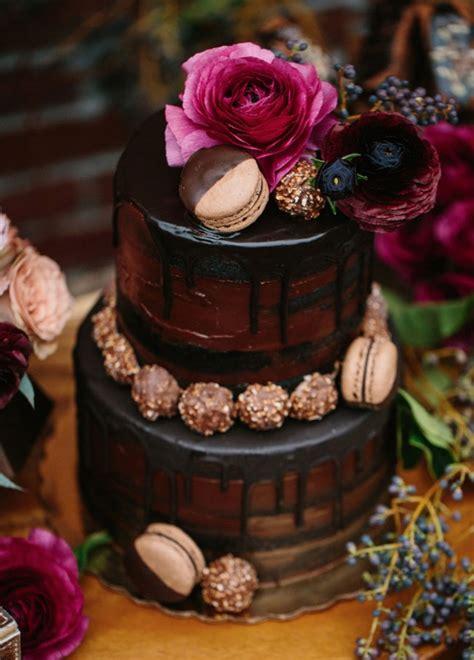 trendy drip wedding cakes    dessert table