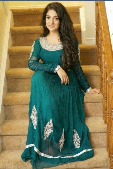 practically teaches us pakistany hairstyle simple yet elegant green and maroon desi style