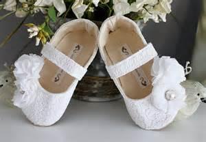 white flower shoes with pearlswedwebtalks wedwebtalks