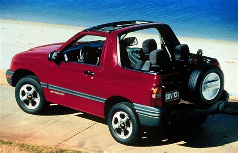 chevrolet tracker pictures history  research