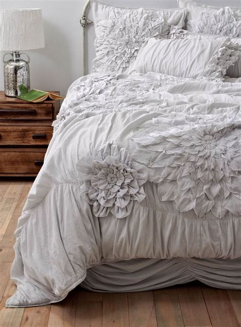 ruffled bedding seriously love ruffled bedding for the home pinterest