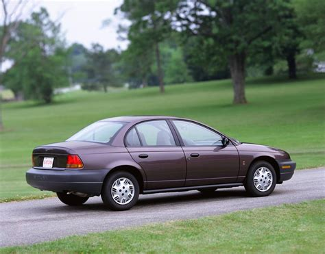 how to learn everything about cars 2001 saturn l series lane departure warning 2001 saturn s series image https www conceptcarz com images saturn 2001 saturn s series sedan