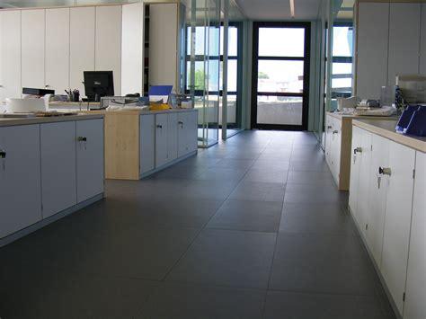 pavimenti galleggianti per uffici pavimenti sopraelevati per ufficio ufficio design italia