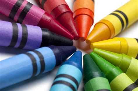 color crayon here s how you can melt and use crayons in really easy ways