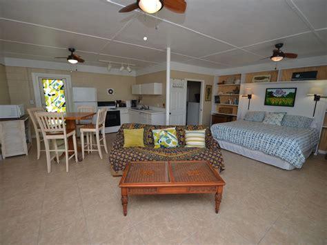 boat trailer rental pompano pompano beach studio w pool perfect couple s getaway