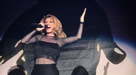 shania twain crushes debut of first new song in 15 years country rebel