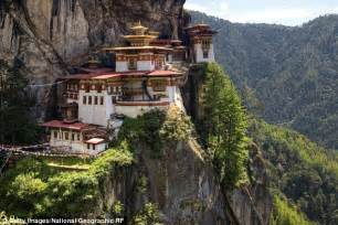 kate  william visit buddhist monastery  bhutan