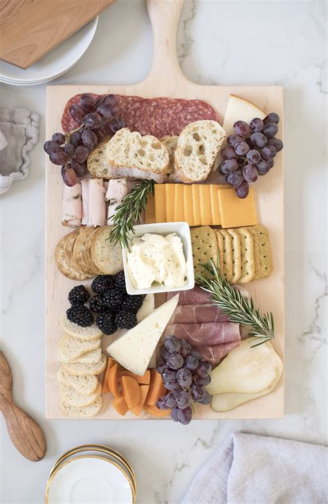 charcuterie  holiday  giveaway room