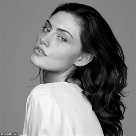 Behind Hollywood S Closed phoebe tonkin has hearts racing in saucy bra for frame