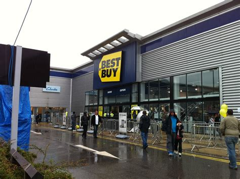 best buy fbi paid best buy employees after finding illegal