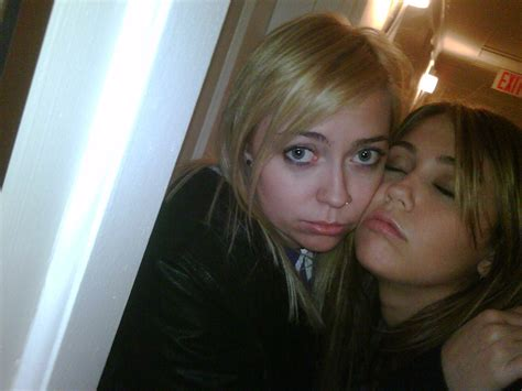miley cyrus leaked sexy personal pics from her cell phone miley cyrus leaked sexy personal pics from her cell phone