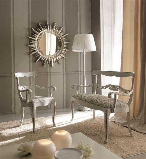 divanetti in stile divanetto classico in legno di faggio con decorazioni