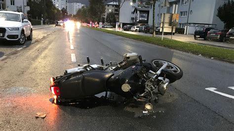 Motorrad F Hrerschein Schwer by 17 J 228 Hriger Baute Mit Gestohlenem Motorrad Unfall Schwer