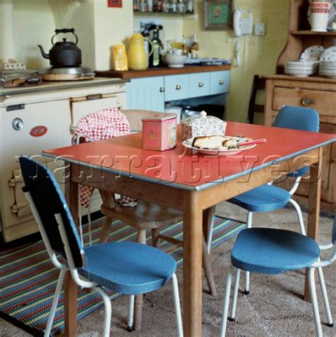 el002 04 1960s red formica kitchen table and blue cha