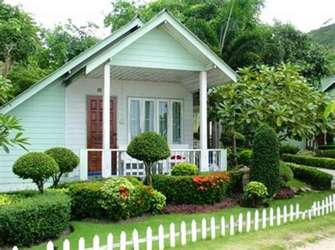 28 beautiful small front yard garden design ideas style - Small House Landscaping Ideas Front Yard