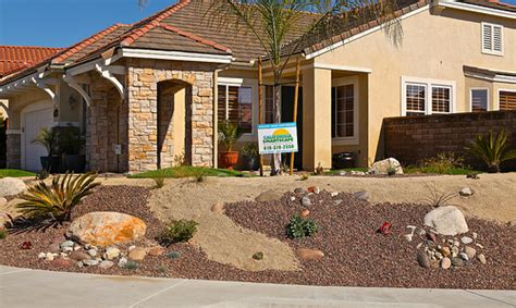 Gravel Front Yard Photo