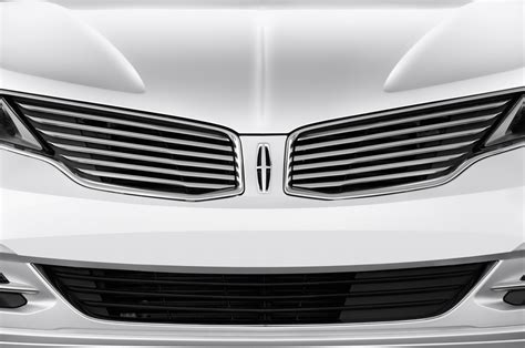 the grille lincoln 2016 lincoln mkz hybrid reviews and rating motor trend