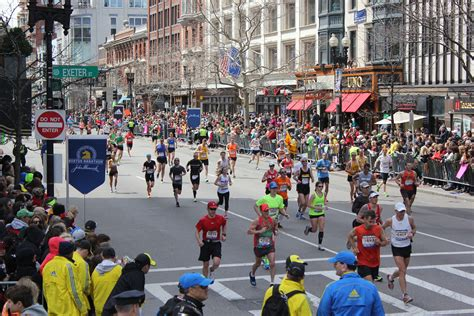 s day marathon tension between boston s charity runners and qualifiers