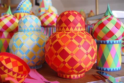 Make Paper Balls - make woven paper balls and more design inspiration