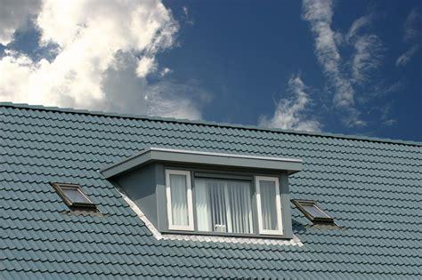 Dachfenster Einbauen Genehmigung by Was Kostet Eine Dachgaube 187 Der Gro 223 E 220 Berblick