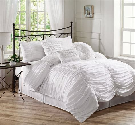 bed bath and beyond white comforter vikingwaterford com page 21 minimalist bedroom with