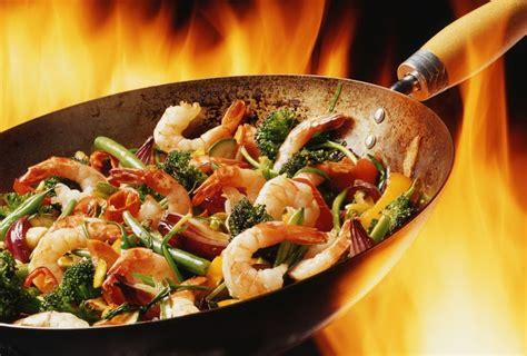 cucina wok ricette la cucina cinese il wok l indispensabile