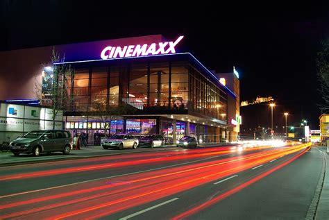 cinemaxx würzburg cinemaxx in w 252 rzburg bei nacht foto bild architektur