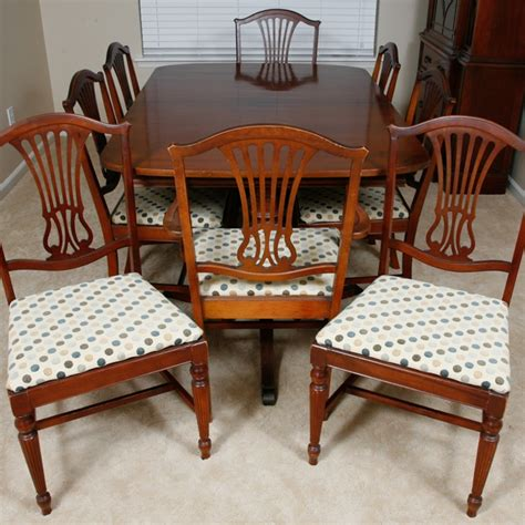 Antique Style Dining Table And Chairs Vintage Thomasville Duncan Phyfe Style Dining Table And Chairs Ebth