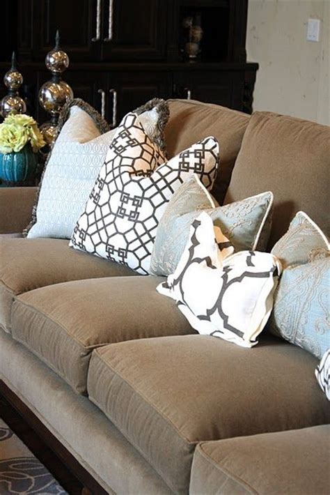 Throw Pillows For Brown Sofa Another Brown I Throw Pillows On My Mind For The Home Brown