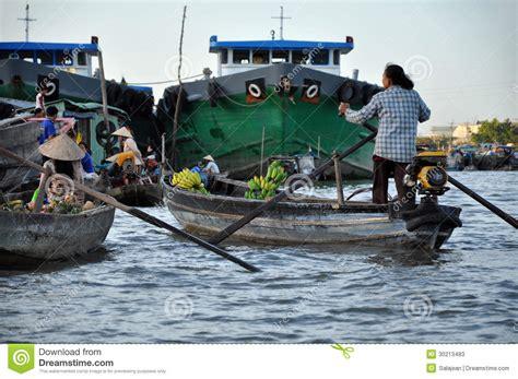 banana boat vietnam cai rang floating market can tho mekong delta vietnam