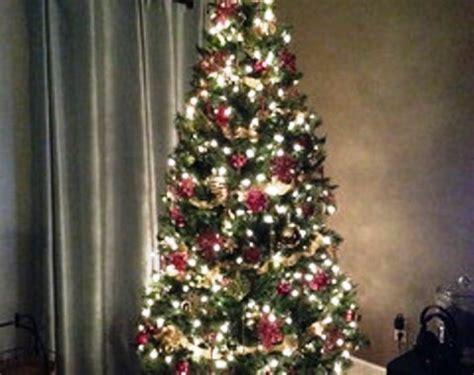 25 Dekorasi Natal Hiasan Ornamen Pohon Natal Hiasan Pohon Natal foto contoh desain dan dekorasi pohon natal 120 si momot