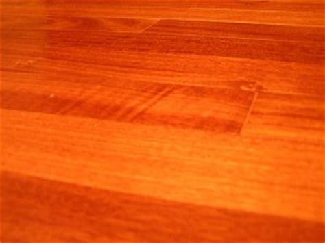Laminate Flooring vs. Hardwood Flooring