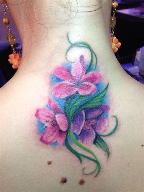 tatuaggi di fiori di pesco cover up con fiori di pesco convetion a lecce miei