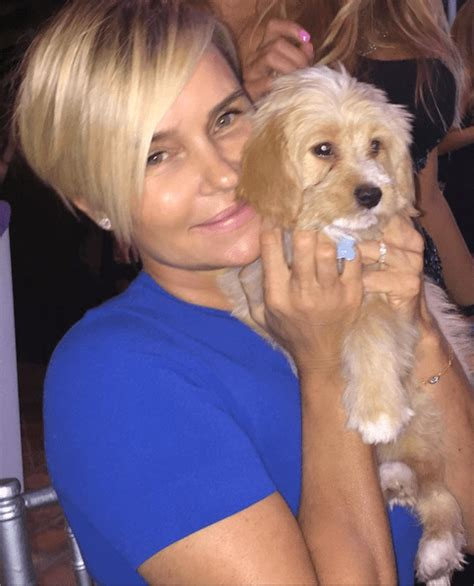 yolanda foster hair extensions yolanda foster chops of her hair for a dramatic new look